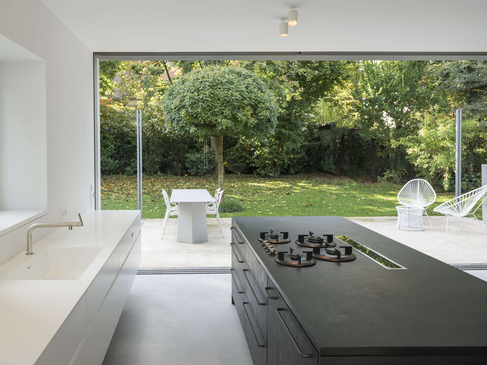 rahmenlose schiebefenster von swissfineline fenster ohne rahmen raumhohe fenster. Black Bedroom Furniture Sets. Home Design Ideas